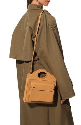 Женская сумка pocket bag medium BURBERRY бежевого цвета, арт. 8043105 | Фото 2 (Материал: Натуральная кожа; Сумки-технические: Сумки top-handle; Ремень/цепочка: На ремешке; Размер: medium)