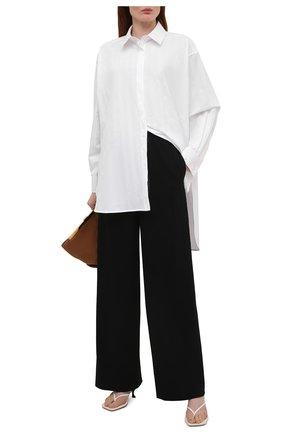 Женские шерстяные брюки LOEWE черного цвета, арт. S359331XD2 | Фото 2 (Длина (брюки, джинсы): Стандартные; Материал внешний: Шерсть; Женское Кросс-КТ: Брюки-одежда; Силуэт Ж (брюки и джинсы): Широкие)