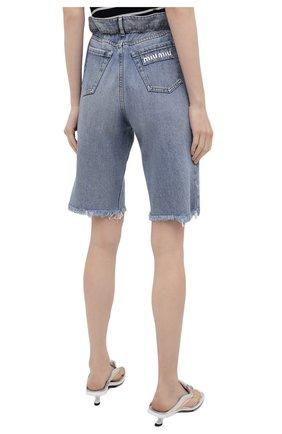 Женские джинсовые шорты MIU MIU голубого цвета, арт. GWP343-1SXP-F0013 | Фото 4 (Женское Кросс-КТ: Шорты-одежда; Стили: Гламурный; Кросс-КТ: Деним; Длина Ж (юбки, платья, шорты): Мини; Материал внешний: Хлопок)