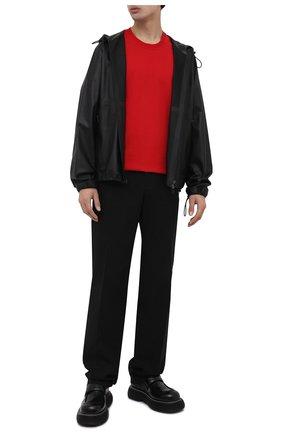 Мужская хлопковая футболка BOTTEGA VENETA красного цвета, арт. 649055/VF1U0 | Фото 2 (Материал внешний: Хлопок; Принт: Без принта; Длина (для топов): Стандартные; Стили: Минимализм; Рукава: Короткие)