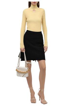 Женская шерстяная водолазка BOTTEGA VENETA желтого цвета, арт. 662397/V0Z80   Фото 2 (Материал внешний: Шерсть; Длина (для топов): Стандартные; Рукава: Длинные; Женское Кросс-КТ: Водолазка-одежда; Стили: Гламурный)