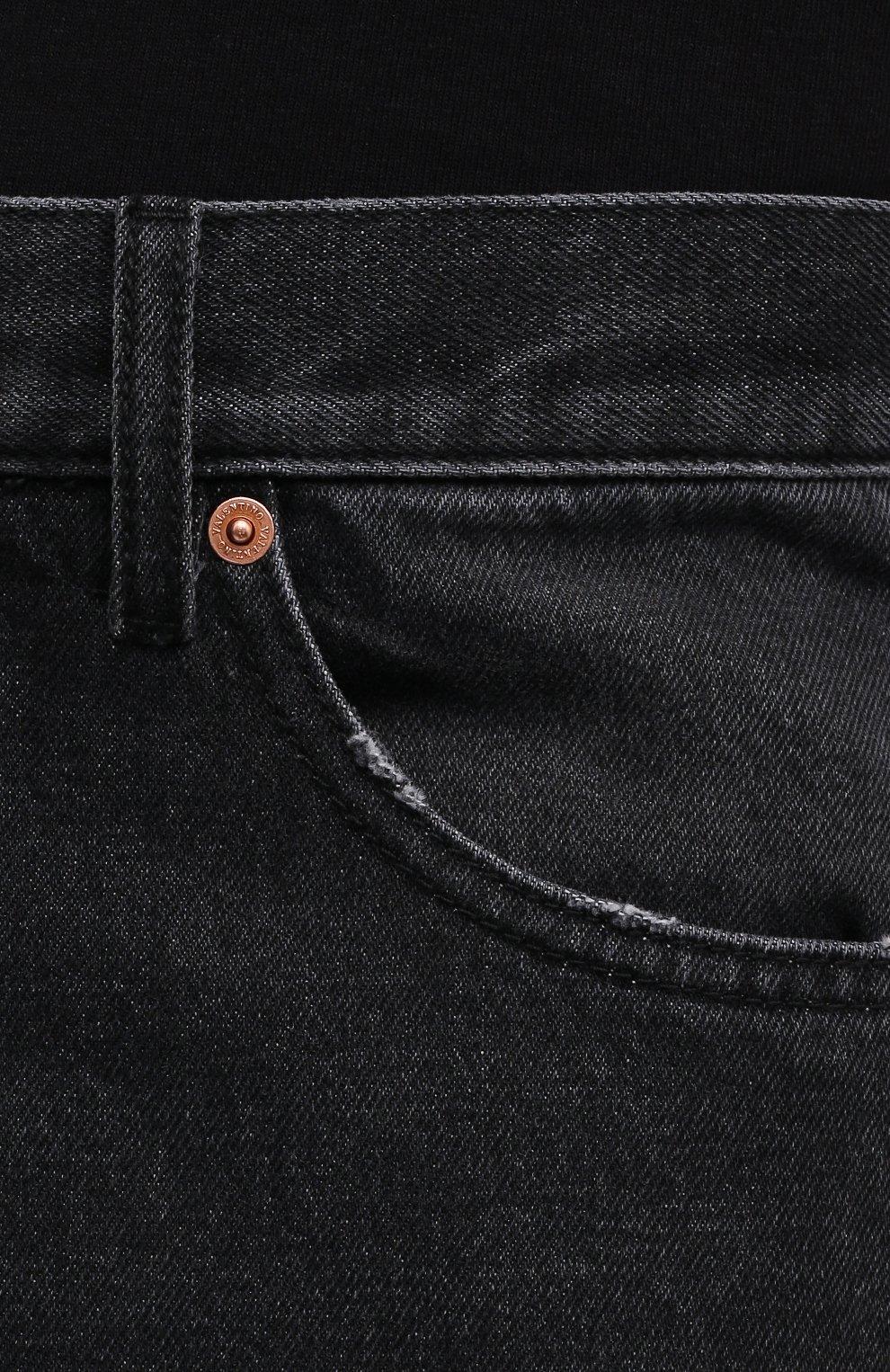 Мужские джинсы VALENTINO серого цвета, арт. WV3DE01U7FU | Фото 5 (Силуэт М (брюки): Прямые; Длина (брюки, джинсы): Стандартные; Материал внешний: Хлопок; Стили: Кэжуэл)