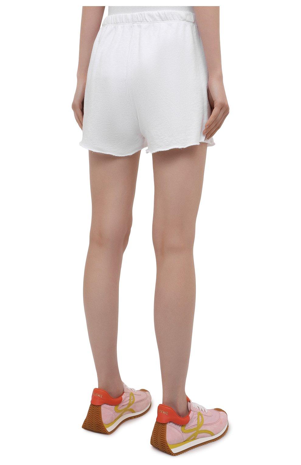 Женские хлопковые шорты JAMES PERSE белого цвета, арт. WXA4288 | Фото 4 (Женское Кросс-КТ: Шорты-одежда; Длина Ж (юбки, платья, шорты): Мини; Материал внешний: Хлопок; Стили: Спорт-шик)
