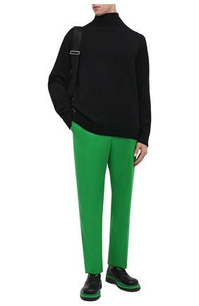 Мужские шерстяные брюки BOTTEGA VENETA зеленого цвета, арт. 659698/VKIV0 | Фото 2 (Материал внешний: Шерсть; Случай: Повседневный; Стили: Минимализм)