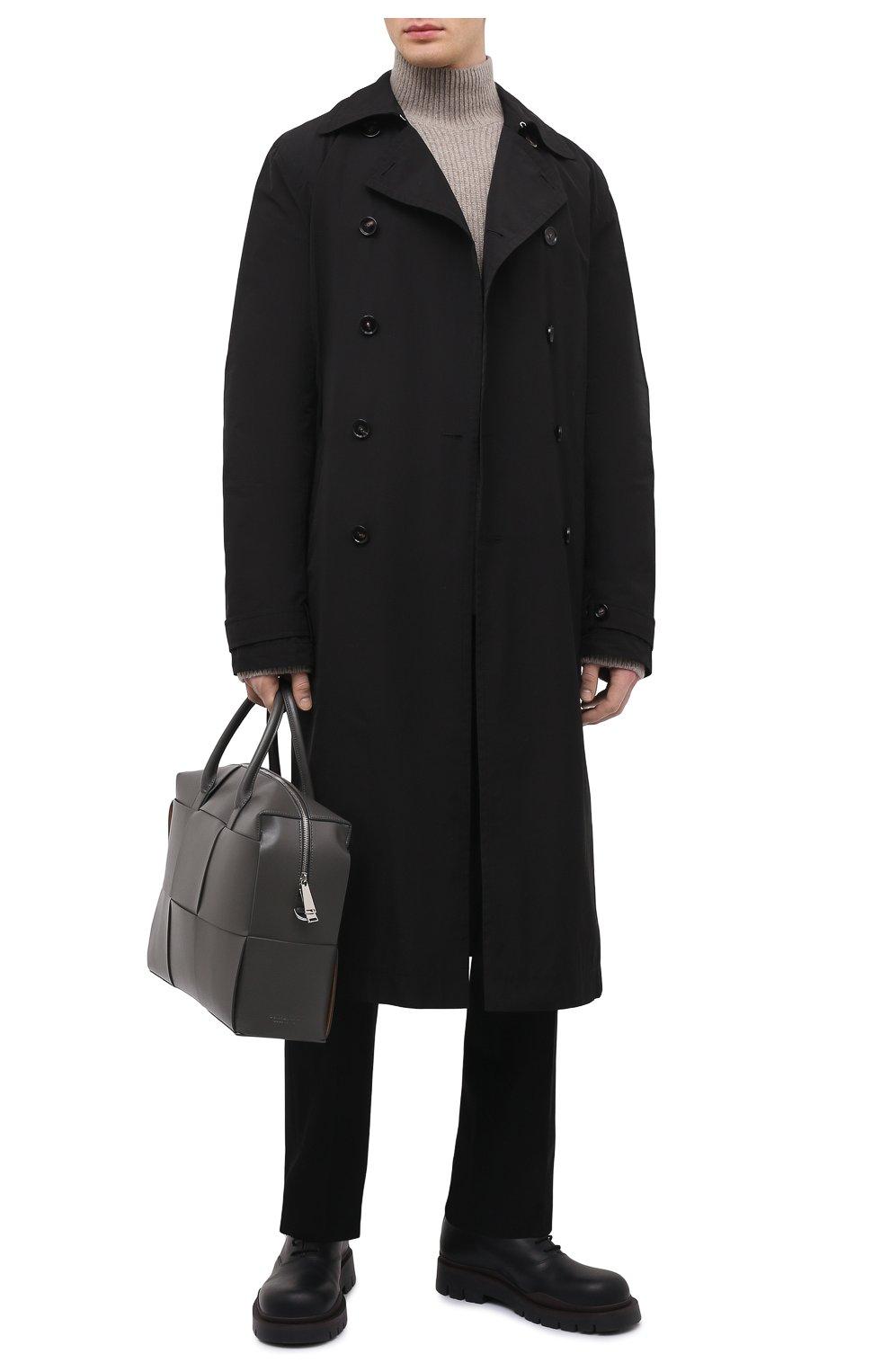 Мужской тренч BOTTEGA VENETA черного цвета, арт. 660143/V0Y20 | Фото 2 (Мужское Кросс-КТ: Тренчкот-верхняя одежда; Рукава: Длинные; Материал внешний: Синтетический материал, Хлопок; Материал подклада: Синтетический материал; Длина (верхняя одежда): Длинные; Стили: Кэжуэл)