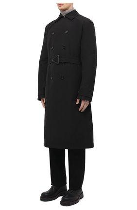 Мужской тренч BOTTEGA VENETA черного цвета, арт. 660143/V0Y20 | Фото 3 (Мужское Кросс-КТ: Тренчкот-верхняя одежда; Рукава: Длинные; Материал внешний: Синтетический материал, Хлопок; Материал подклада: Синтетический материал; Длина (верхняя одежда): Длинные; Стили: Кэжуэл)