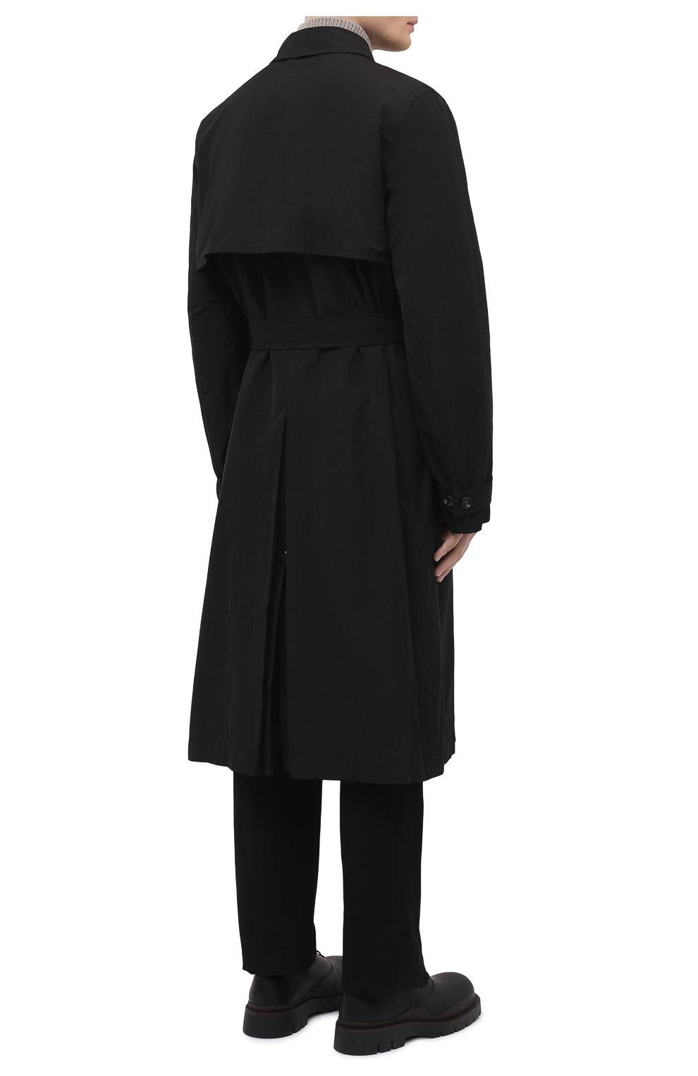 Мужской тренч BOTTEGA VENETA черного цвета, арт. 660143/V0Y20 | Фото 4 (Мужское Кросс-КТ: Тренчкот-верхняя одежда; Рукава: Длинные; Материал внешний: Синтетический материал, Хлопок; Материал подклада: Синтетический материал; Длина (верхняя одежда): Длинные; Стили: Кэжуэл)