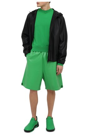 Мужские кожаные шорты BOTTEGA VENETA зеленого цвета, арт. 633447/VKV90 | Фото 2