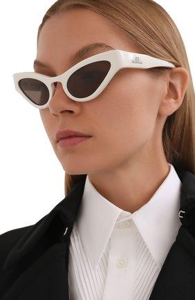 Женские солнцезащитные очки BALENCIAGA белого цвета, арт. 664094/T0001 | Фото 2