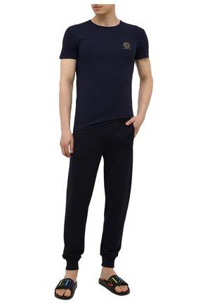 Мужская хлопковая футболка VERSACE темно-синего цвета, арт. AUU01005/A232741 | Фото 2