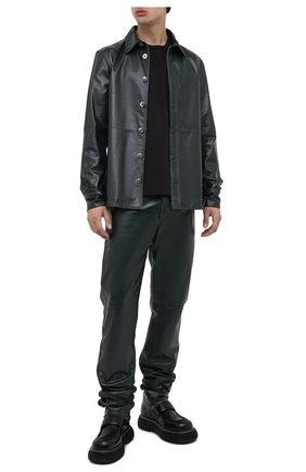 Мужская хлопковая футболка BOTTEGA VENETA черного цвета, арт. 649055/VF1U0 | Фото 2 (Материал внешний: Хлопок; Принт: Без принта; Длина (для топов): Стандартные; Стили: Минимализм; Рукава: Короткие)