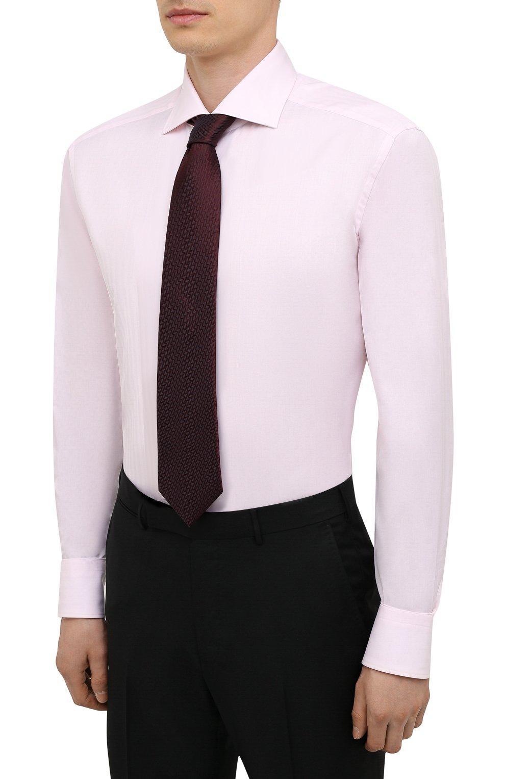 Мужская хлопковая сорочка ZEGNA COUTURE светло-розового цвета, арт. E02302/9NS0LB   Фото 4 (Манжеты: На пуговицах; Рукава: Длинные; Рубашки М: Regular Fit; Воротник: Акула; Длина (для топов): Стандартные; Материал внешний: Хлопок; Стили: Классический; Случай: Формальный; Принт: Однотонные)