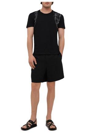 Мужская хлопковая футболка ALEXANDER MCQUEEN черного цвета, арт. 666622/QRZ6A | Фото 2 (Материал внешний: Хлопок; Длина (для топов): Стандартные; Рукава: Короткие; Стили: Кэжуэл; Принт: С принтом)