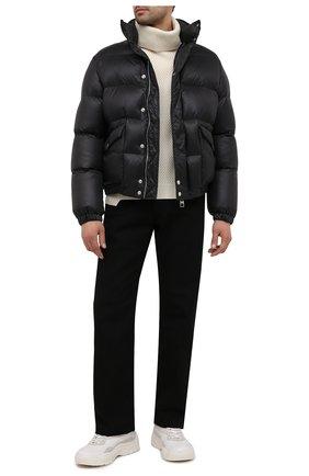 Мужская утепленная куртка ALEXANDER MCQUEEN черного цвета, арт. 659318/QRR55 | Фото 2 (Длина (верхняя одежда): Короткие; Материал внешний: Синтетический материал; Кросс-КТ: Куртка; Рукава: Длинные; Мужское Кросс-КТ: пуховик-короткий; Материал подклада: Синтетический материал)