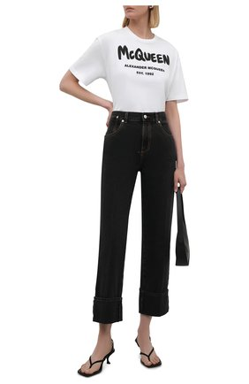 Женские джинсы ALEXANDER MCQUEEN темно-серого цвета, арт. 667390/QMABF   Фото 2 (Длина (брюки, джинсы): Стандартные; Материал внешний: Хлопок; Силуэт Ж (брюки и джинсы): Прямые; Стили: Кэжуэл; Кросс-КТ: Деним)