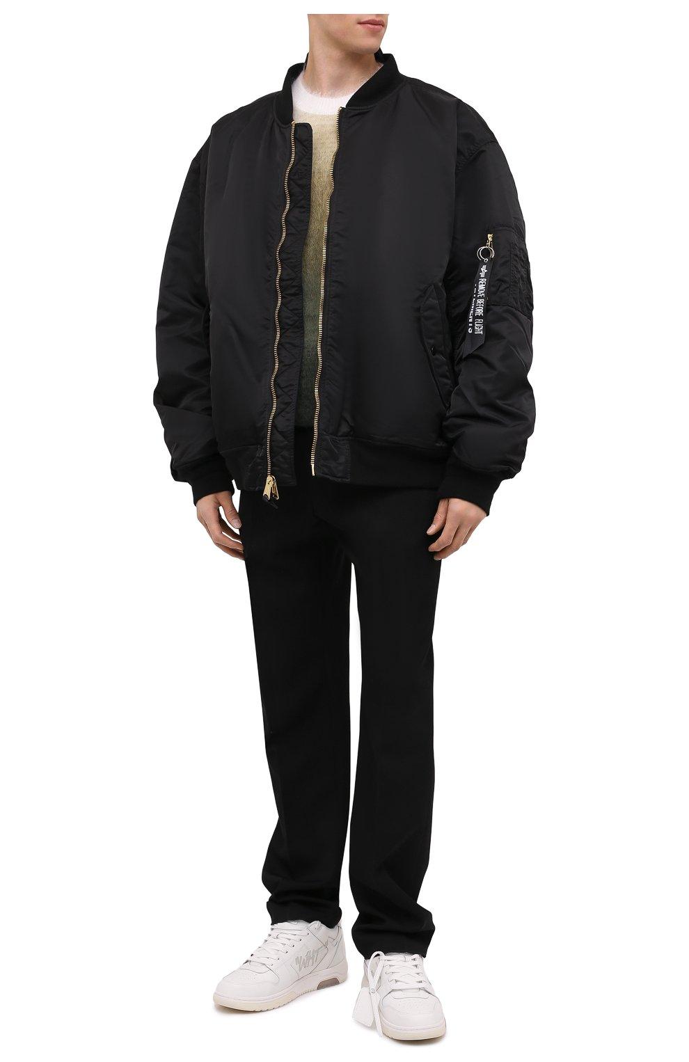 Мужской утепленный бомбер VETEMENTS черного цвета, арт. UA52JA200B 1307/M   Фото 2 (Кросс-КТ: Куртка; Рукава: Длинные; Принт: Без принта; Материал внешний: Синтетический материал; Стили: Гранж; Материал подклада: Синтетический материал; Длина (верхняя одежда): Короткие)