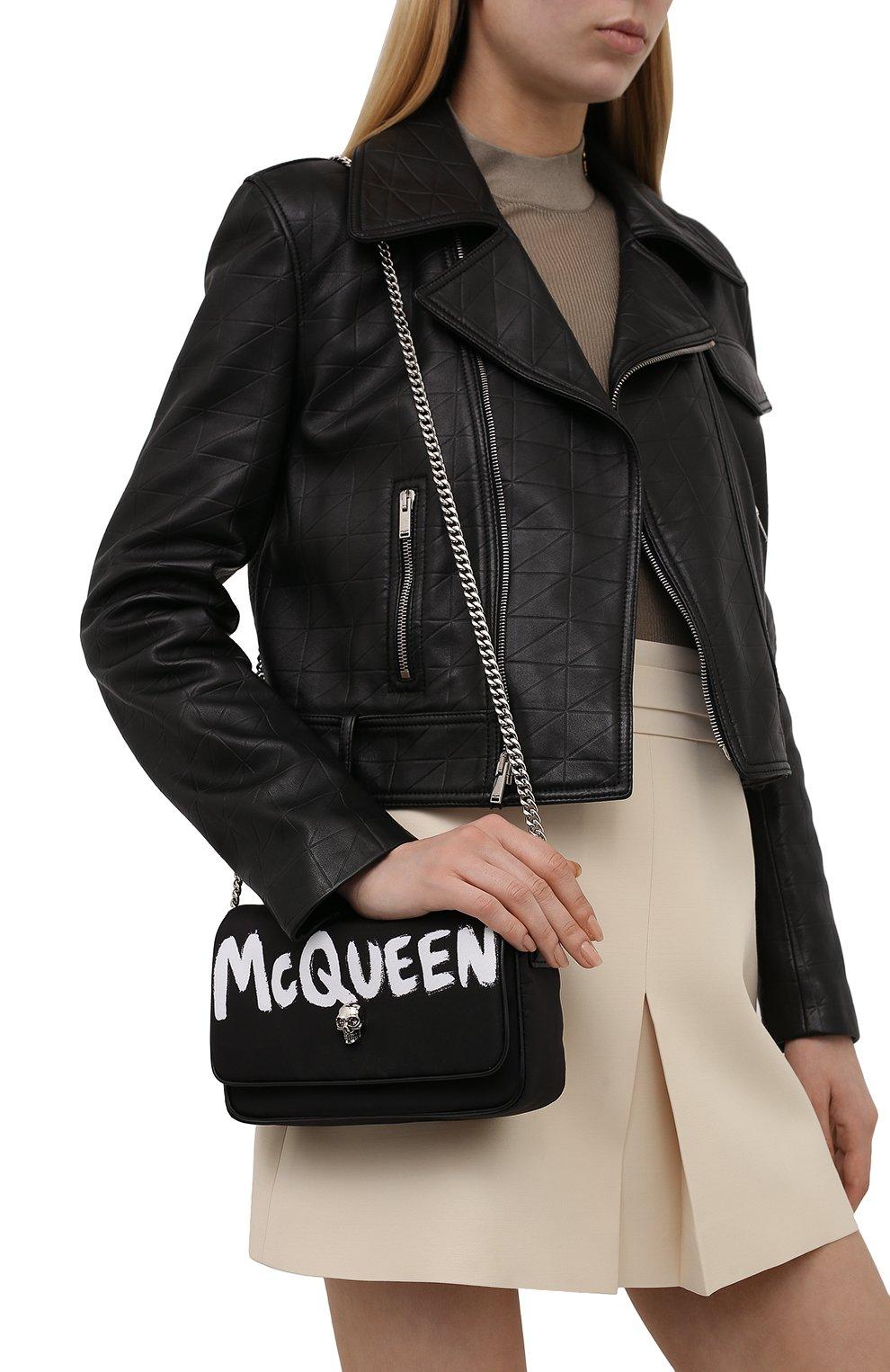 Женская сумка skull ALEXANDER MCQUEEN черного цвета, арт. 666120/16XAB | Фото 2 (Сумки-технические: Сумки через плечо; Размер: mini; Ремень/цепочка: На ремешке; Материал: Текстиль)