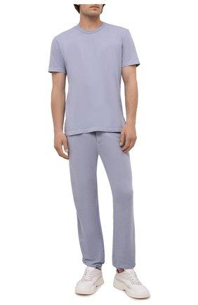 Мужские хлопковые брюки JAMES PERSE голубого цвета, арт. MXA1161 | Фото 2 (Материал внешний: Хлопок; Длина (брюки, джинсы): Стандартные; Мужское Кросс-КТ: Брюки-трикотаж; Стили: Спорт-шик; Кросс-КТ: Спорт)