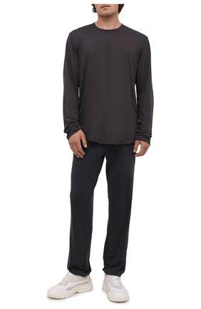 Мужские хлопковые брюки JAMES PERSE темно-серого цвета, арт. MXA1161 | Фото 2 (Материал внешний: Хлопок; Длина (брюки, джинсы): Стандартные; Кросс-КТ: Спорт; Стили: Спорт-шик; Мужское Кросс-КТ: Брюки-трикотаж)