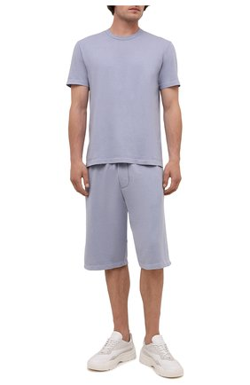 Мужская хлопковая футболка JAMES PERSE голубого цвета, арт. MLJ3311 | Фото 2 (Материал внешний: Хлопок; Принт: Без принта; Длина (для топов): Стандартные; Стили: Кэжуэл; Рукава: Короткие)
