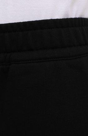 Мужские хлопковые шорты BURBERRY черного цвета, арт. 8043279 | Фото 5 (Длина Шорты М: Ниже колена; Принт: С принтом; Кросс-КТ: Трикотаж; Материал внешний: Хлопок; Стили: Спорт-шик)