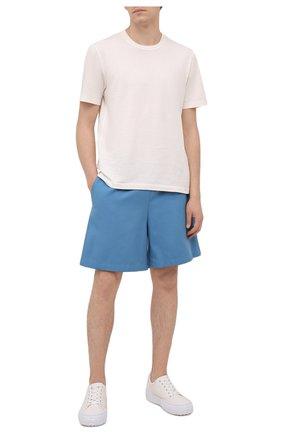 Мужские хлопковые шорты GUCCI голубого цвета, арт. 659825/ZAGP5 | Фото 2