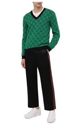 Мужские брюки из хлопка и вискозы GUCCI черного цвета, арт. 654880/ZAGU7 | Фото 2 (Материал внешний: Хлопок, Вискоза; Длина (брюки, джинсы): Стандартные; Случай: Повседневный; Стили: Спорт-шик)