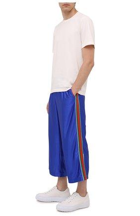 Мужские брюки GUCCI синего цвета, арт. 654750/XJDI9 | Фото 2