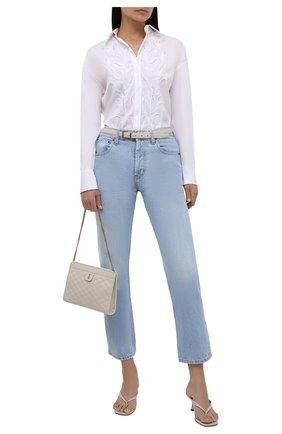 Женская хлопковая рубашка BRUNELLO CUCINELLI белого цвета, арт. MP091NS206 | Фото 2 (Материал внешний: Хлопок; Принт: Без принта; Женское Кросс-КТ: Рубашка-одежда; Рукава: Длинные; Стили: Кэжуэл; Длина (для топов): Удлиненные)