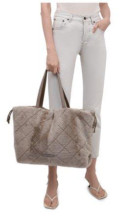 Женский сумка-шопер BRUNELLO CUCINELLI бежевого цвета, арт. MBUMD2311   Фото 2 (Материал: Натуральный мех; Сумки-технические: Сумки-шопперы; Размер: large)