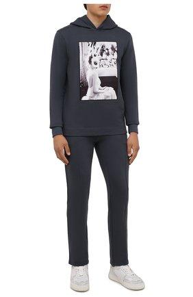 Мужские хлопковые брюки LIMITATO темно-серого цвета, арт. TW0 T0NE/TRACK PANTS | Фото 2 (Материал внешний: Хлопок; Длина (брюки, джинсы): Стандартные; Случай: Повседневный; Кросс-КТ: Спорт; Стили: Спорт-шик; Мужское Кросс-КТ: Брюки-трикотаж)