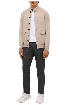 Мужские шерстяные брюки BRUNELLO CUCINELLI серого цвета, арт. ML476B1770 | Фото 2 (Материал внешний: Шерсть; Случай: Повседневный; Длина (брюки, джинсы): Стандартные; Стили: Кэжуэл)