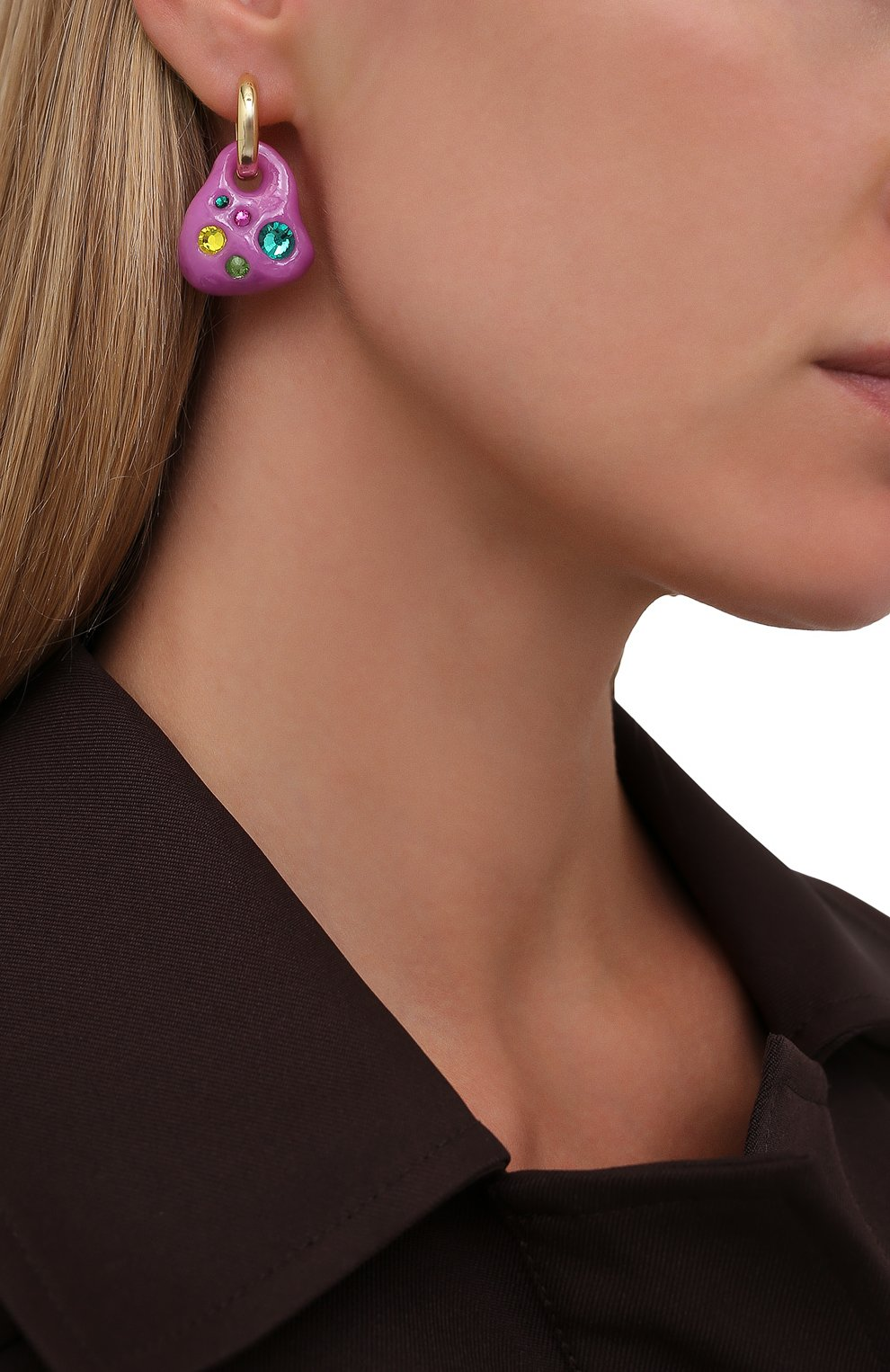 Женские моносерьга LILI ARCHIVE сиреневого цвета, арт. MeM6C19G | Фото 2 (Кросс-КТ: моносерьга; Материал: Керамика)
