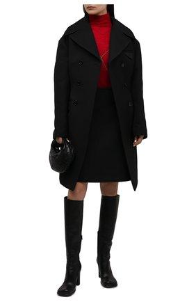 Женская водолазка BOTTEGA VENETA красного цвета, арт. 665445/V0Z60   Фото 2 (Длина (для топов): Стандартные; Материал внешний: Синтетический материал, Шерсть; Стили: Кэжуэл; Рукава: Длинные; Женское Кросс-КТ: Водолазка-одежда)