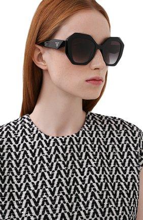 Женские солнцезащитные очки PRADA черного цвета, арт. 16WS-1AB5D1   Фото 2
