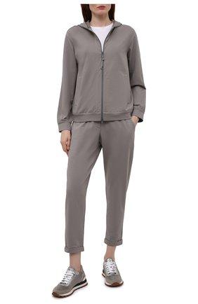 Женские хлопковые брюки BRUNELLO CUCINELLI серого цвета, арт. MH827SA399 | Фото 2 (Материал внешний: Хлопок; Женское Кросс-КТ: Брюки-одежда, Брюки-спорт; Силуэт Ж (брюки и джинсы): Прямые; Стили: Спорт-шик; Длина (брюки, джинсы): Укороченные; Кросс-КТ: Трикотаж)