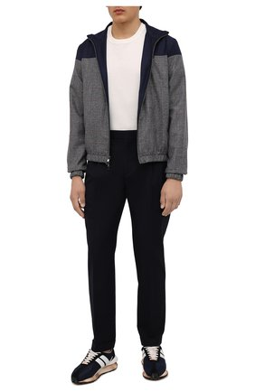 Мужские брюки из хлопка и шерсти LORO PIANA темно-синего цвета, арт. FAL8004 | Фото 2 (Материал внешний: Хлопок, Шерсть; Материал подклада: Синтетический материал; Длина (брюки, джинсы): Стандартные; Случай: Повседневный; Стили: Кэжуэл)