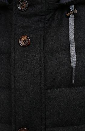 Мужской пуховый жилет KIRED темно-серого цвета, арт. WKISHBW7405003000 | Фото 5 (Кросс-КТ: Куртка, Пуховик; Материал внешний: Шерсть; Материал подклада: Синтетический материал; Длина (верхняя одежда): Короткие; Материал утеплителя: Пух и перо; Стили: Кэжуэл)