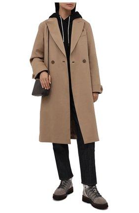 Женские замшевые ботинки BRUNELLO CUCINELLI серого цвета, арт. MZSFG2027 | Фото 2 (Каблук высота: Низкий; Подошва: Платформа; Материал внутренний: Натуральная кожа; Женское Кросс-КТ: Хайкеры-ботинки; Материал внешний: Замша)