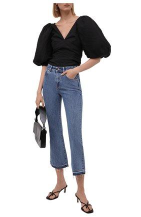 Женские джинсы REDVALENTINO голубого цвета, арт. WR3DD04K/62P | Фото 2 (Материал внешний: Хлопок; Стили: Спорт-шик; Силуэт Ж (брюки и джинсы): Расклешенные; Длина (брюки, джинсы): Укороченные; Кросс-КТ: Деним)