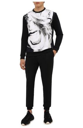 Мужской хлопковый свитшот LIMITATO черно-белого цвета, арт. H0ME AL0NE/SWEATER | Фото 2 (Длина (для топов): Стандартные; Материал внешний: Хлопок; Рукава: Длинные; Мужское Кросс-КТ: свитшот-одежда; Стили: Гранж; Принт: С принтом)