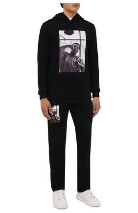 Мужские хлопковые брюки LIMITATO черного цвета, арт. HIT/TRACK PANTS | Фото 2 (Материал внешний: Хлопок; Длина (брюки, джинсы): Стандартные; Мужское Кросс-КТ: Брюки-трикотаж; Случай: Повседневный; Стили: Спорт-шик)