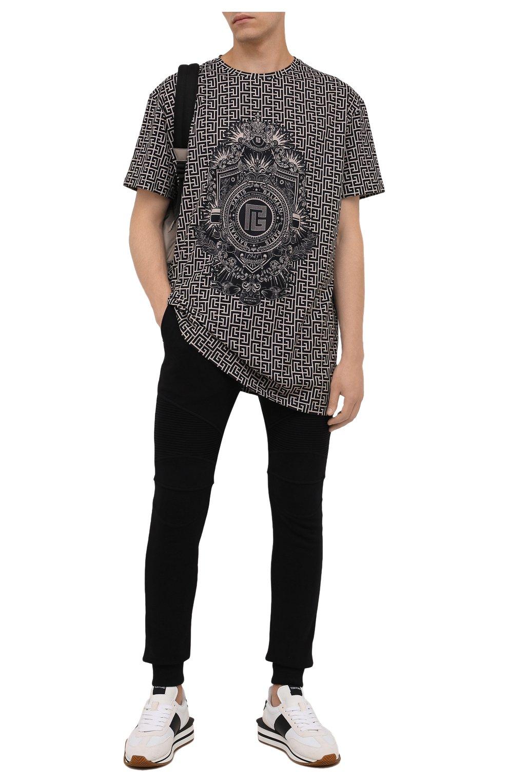 Мужские хлопковые джоггеры BALMAIN черного цвета, арт. WH10B000/B115   Фото 2 (Мужское Кросс-КТ: Брюки-трикотаж; Длина (брюки, джинсы): Стандартные; Материал внешний: Хлопок; Стили: Спорт-шик; Силуэт М (брюки): Джоггеры)
