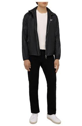 Мужская куртка EMPORIO ARMANI черного цвета, арт. 6K1B64/1NWNZ | Фото 2 (Рукава: Длинные; Материал внешний: Синтетический материал; Длина (верхняя одежда): Короткие; Кросс-КТ: Куртка, Ветровка; Стили: Спорт-шик)