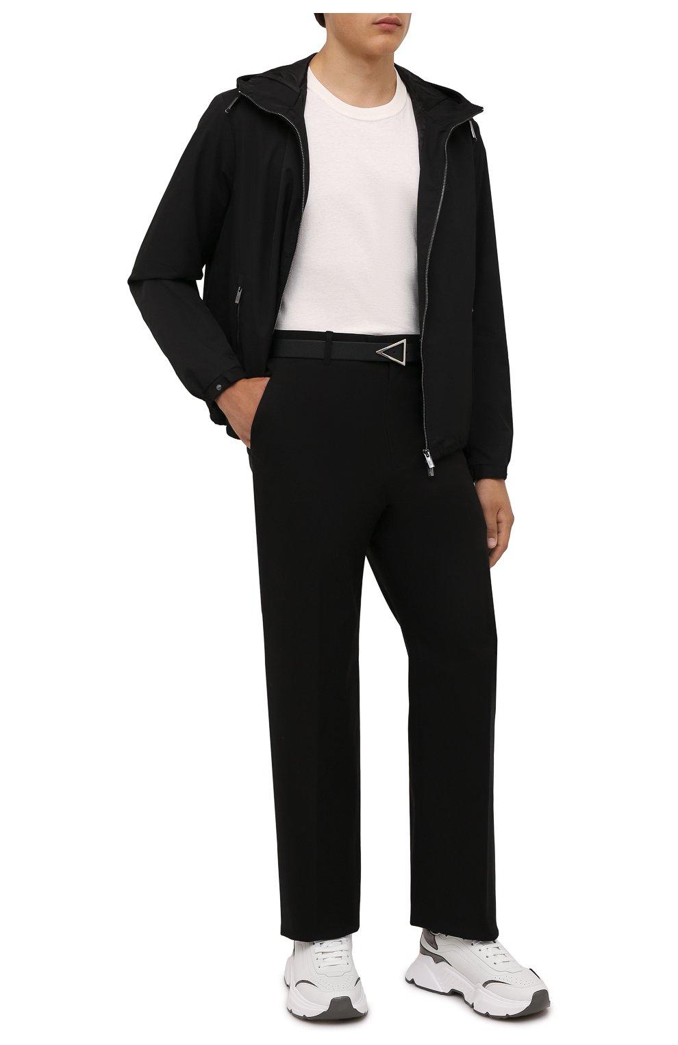 Мужская куртка EMPORIO ARMANI черного цвета, арт. 8N1BQ0/1NZQZ | Фото 2 (Кросс-КТ: Куртка, Ветровка; Рукава: Длинные; Материал внешний: Синтетический материал; Стили: Спорт-шик; Материал подклада: Синтетический материал; Длина (верхняя одежда): Короткие)