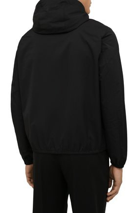 Мужская куртка EMPORIO ARMANI черного цвета, арт. 8N1BQ0/1NZQZ | Фото 4 (Кросс-КТ: Куртка, Ветровка; Рукава: Длинные; Материал внешний: Синтетический материал; Стили: Спорт-шик; Материал подклада: Синтетический материал; Длина (верхняя одежда): Короткие)