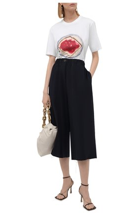 Женская хлопковая футболка LOEWE белого цвета, арт. S359333XCH | Фото 2 (Длина (для топов): Стандартные; Материал внешний: Хлопок; Рукава: Короткие; Стили: Спорт-шик; Женское Кросс-КТ: Футболка-одежда; Принт: С принтом)
