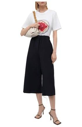 Женский хлопковые кюлоты LOEWE темно-синего цвета, арт. S359331XE2 | Фото 2 (Материал внешний: Хлопок; Силуэт Ж (брюки и джинсы): Расклешенные; Стили: Гламурный; Женское Кросс-КТ: Кюлоты-брюки; Длина (брюки, джинсы): Укороченные)