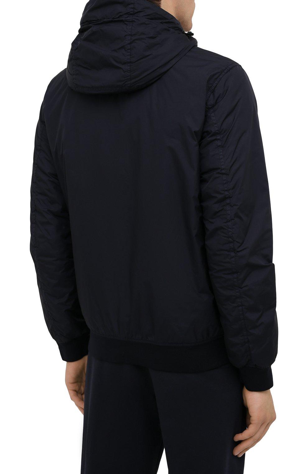 Мужской утепленный бомбер STONE ISLAND темно-синего цвета, арт. 751542223 | Фото 4 (Кросс-КТ: Куртка; Рукава: Длинные; Принт: Без принта; Материал внешний: Синтетический материал; Материал подклада: Синтетический материал; Длина (верхняя одежда): Короткие; Стили: Кэжуэл)