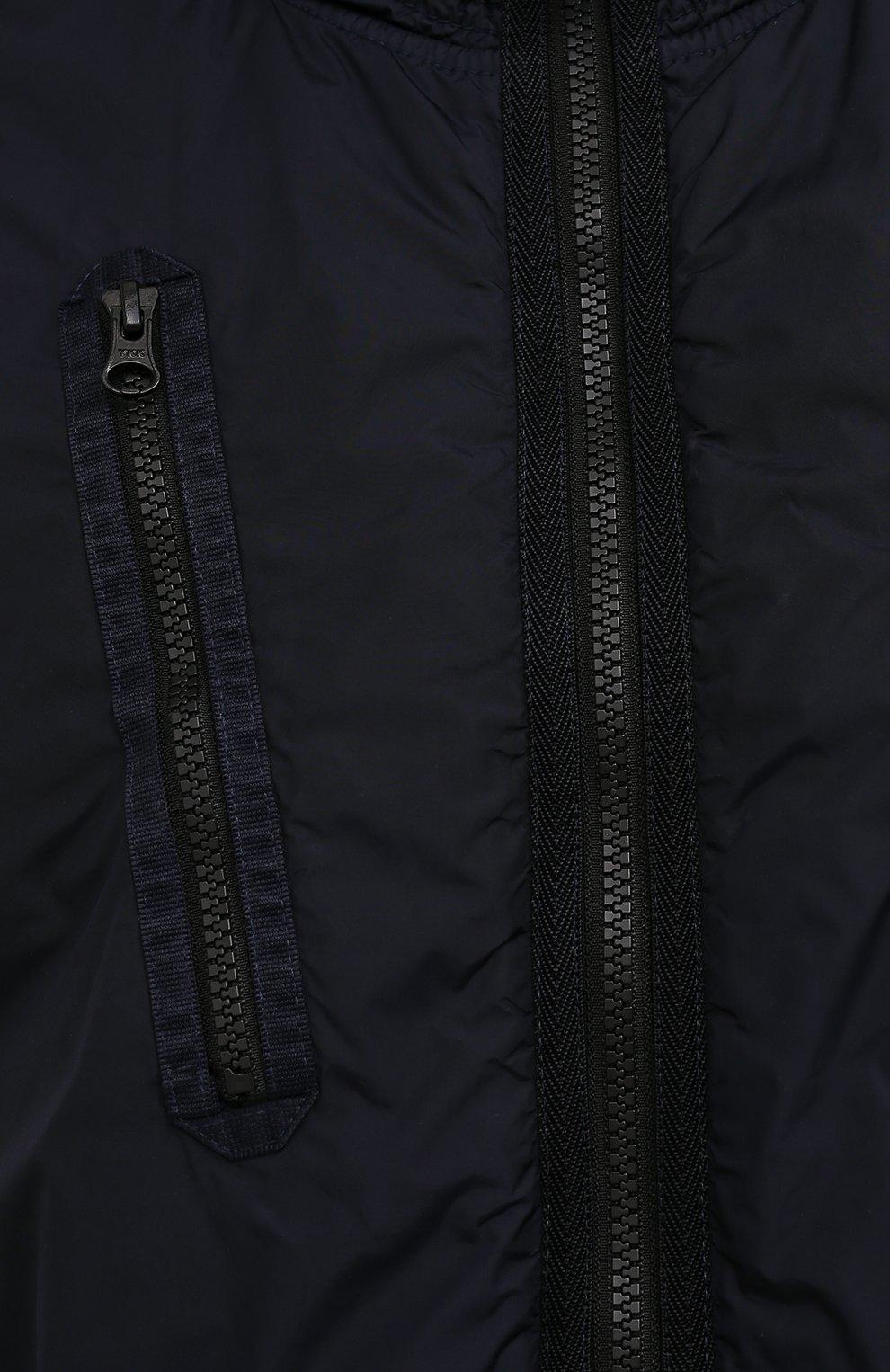 Мужской утепленный бомбер STONE ISLAND темно-синего цвета, арт. 751542223 | Фото 5 (Кросс-КТ: Куртка; Рукава: Длинные; Принт: Без принта; Материал внешний: Синтетический материал; Материал подклада: Синтетический материал; Длина (верхняя одежда): Короткие; Стили: Кэжуэл)